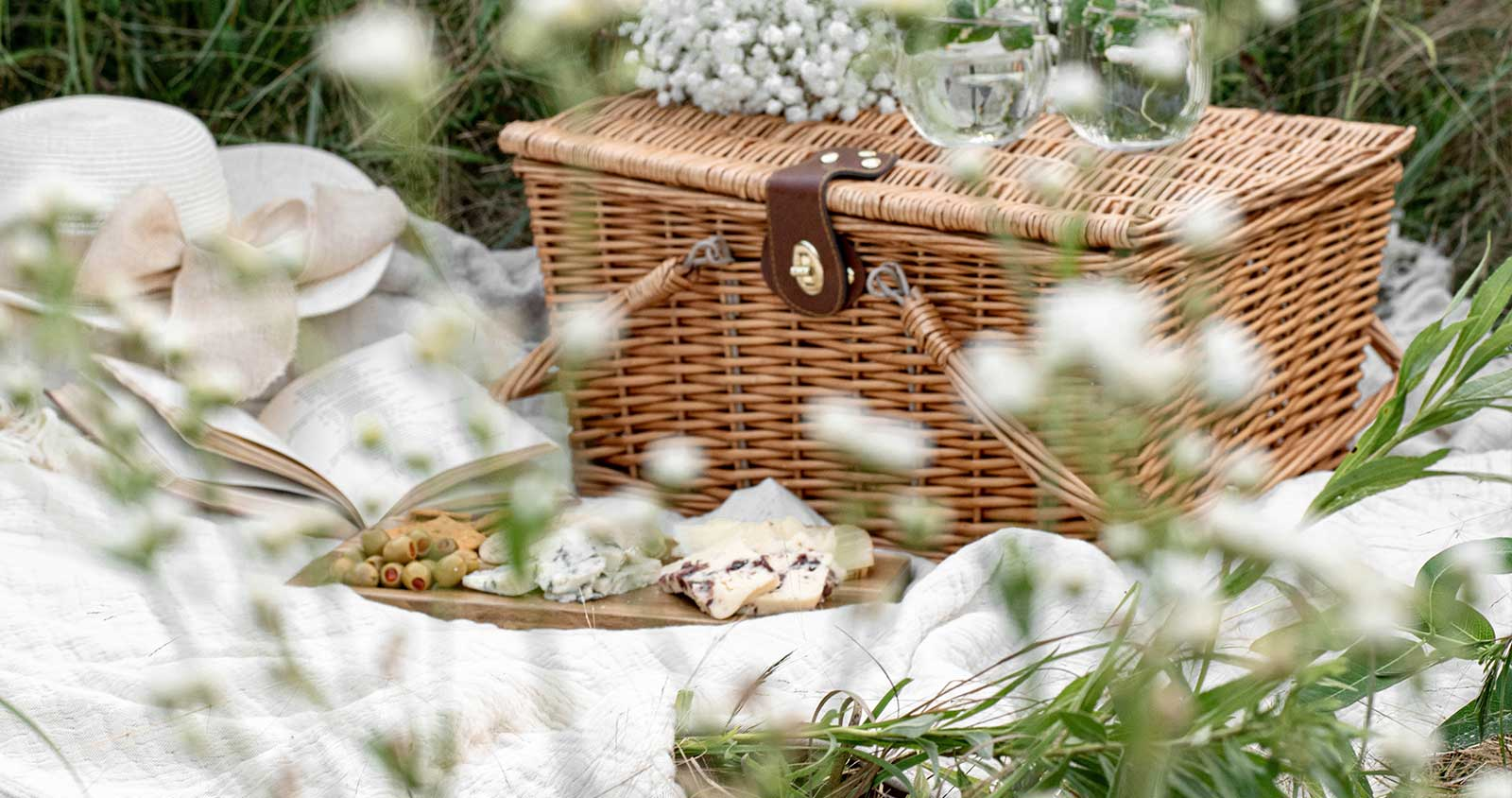 thultula blanket picnic ideas for the summer perfect picnic blankets