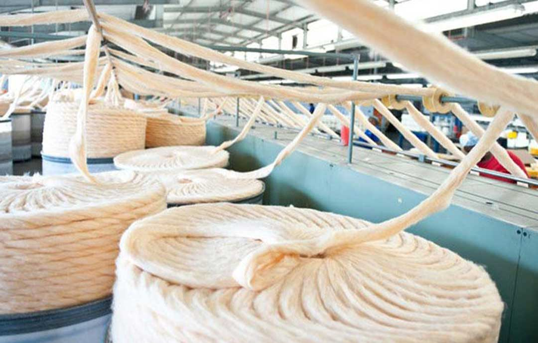 The-Ultimate-guide-to-the-Basotho-Heritage-Blanket Lesotho wool being woven for the Basotho blanket