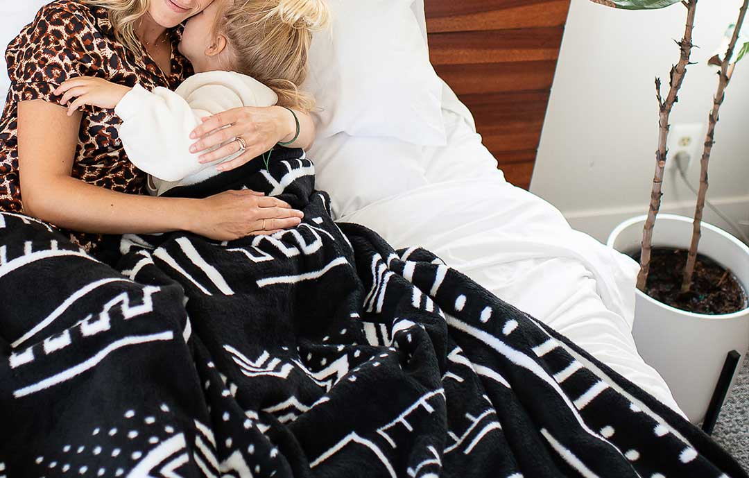 Thula Tula weighted blankets black and white Mud cloth design African