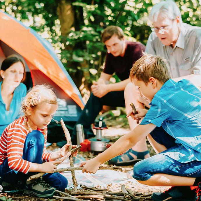 5 Camping Essentials to Pack for a Family Trip