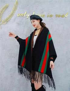 LUXURY BLACK PONCHO WITH SLEEVE