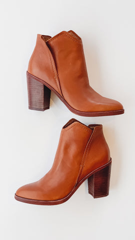 Dolce Vita Shep Bootie -Cognac Leather