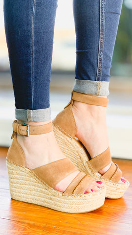 Dolce Vita Simi Wedges -Dark Saddle