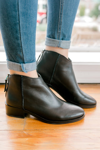 Dolce Vita Tucker Booties -Black