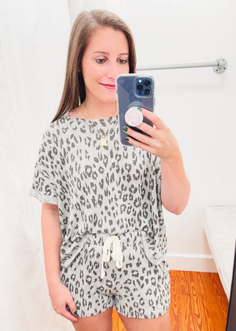 Leopard Round Neck Hacci Top