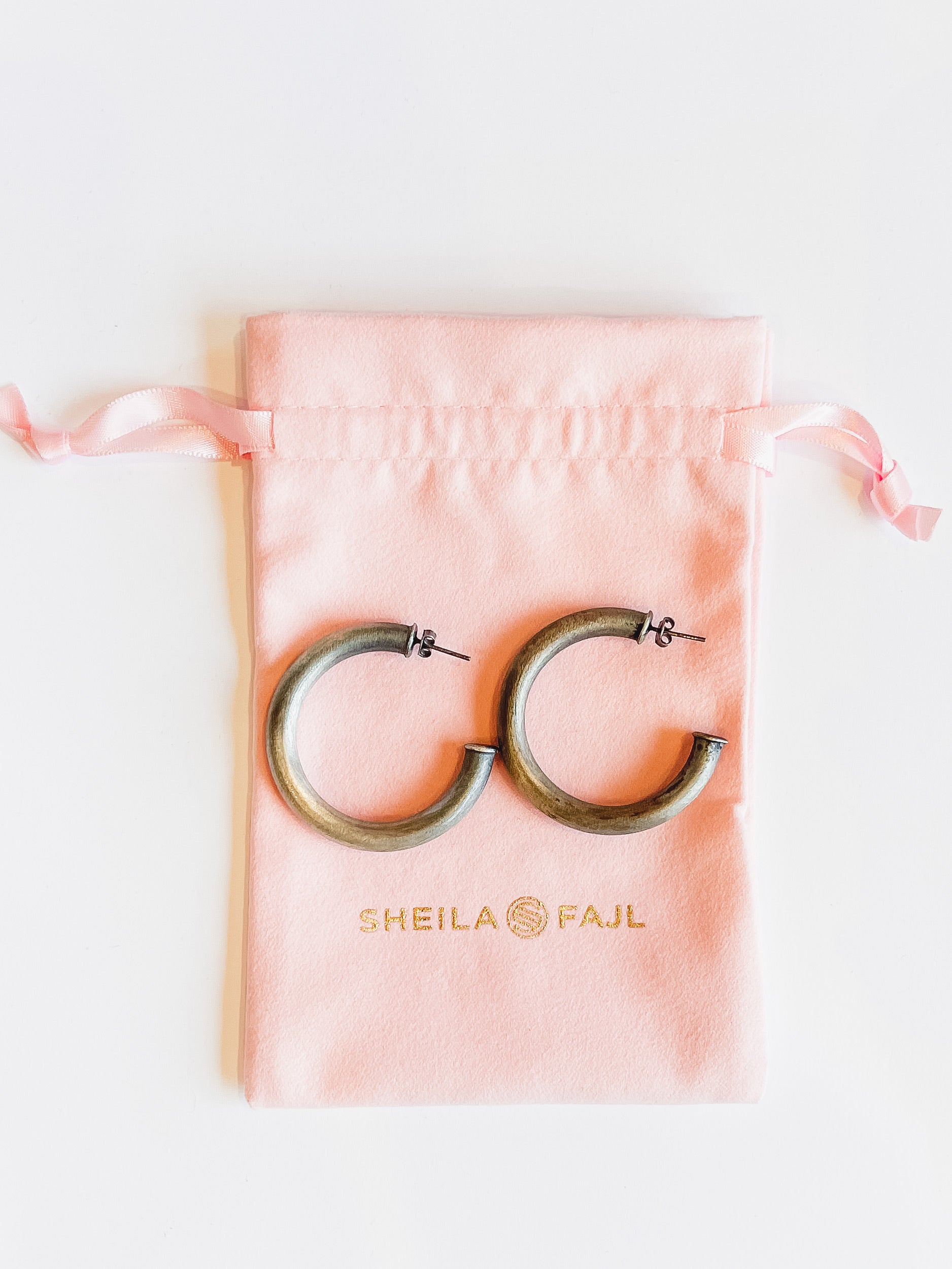 Sheila Fajl Chantal Hoops -Old Silver