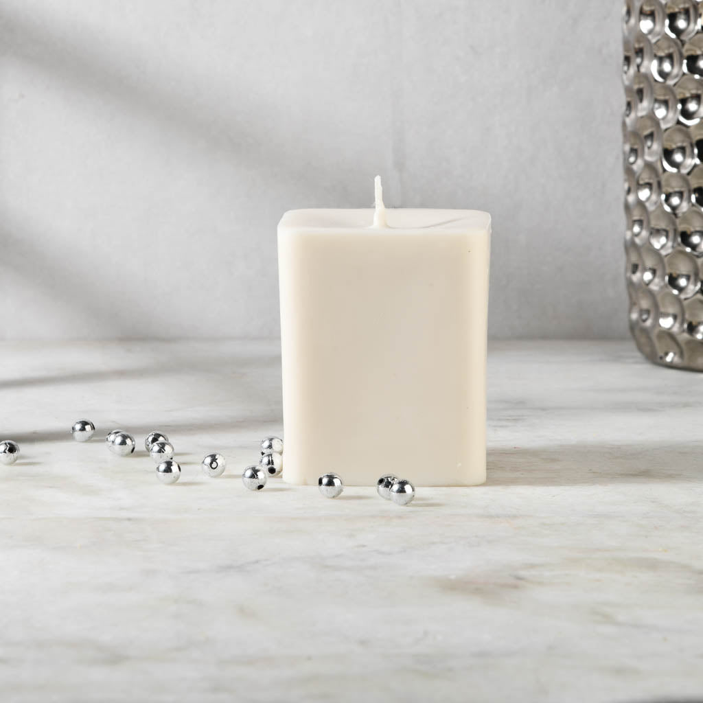 Kindness - Cinnamon Roll Scented Candle