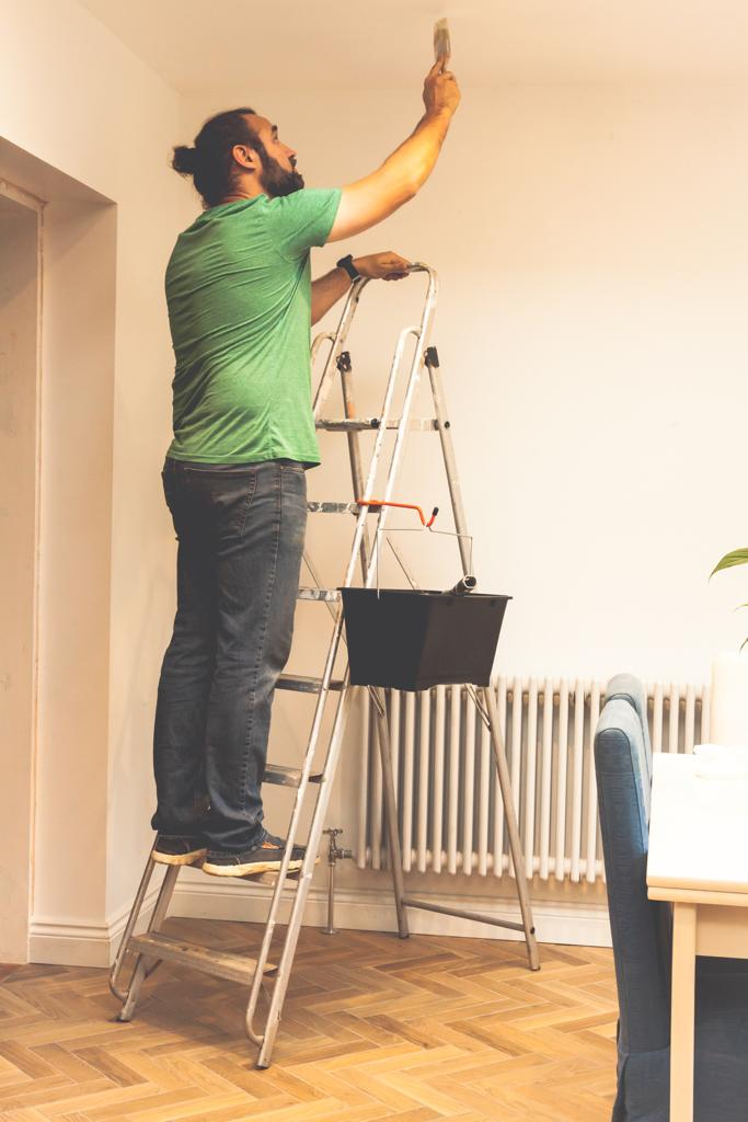 Step Handy - Paint and Bucket Hook for your Stepladder