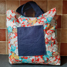 Load image into Gallery viewer, Navy Linen and Metallic Red Floral Reversible Shoulder Bag