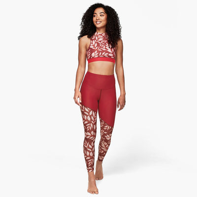 flower leggings rot model vorderansicht mit crop top