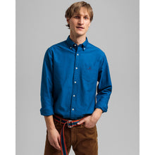 Load image into Gallery viewer, Gant Shirt in regular classic fit. Beefy Oxford Shirt Reg  , chosen in a Strong Blue colour
