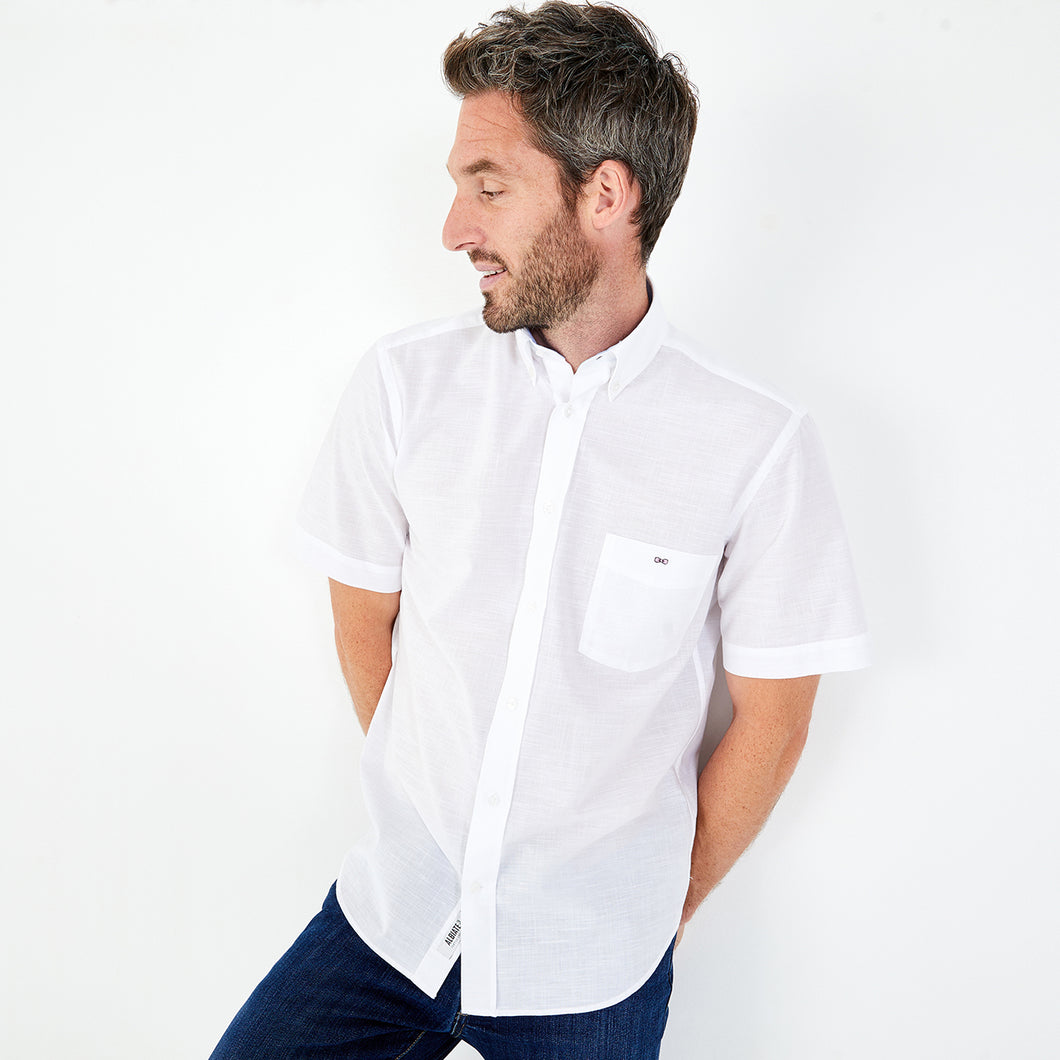Eden Park Short Sleeve Shirt in regular classic fit.    Chosen with this White soft effect