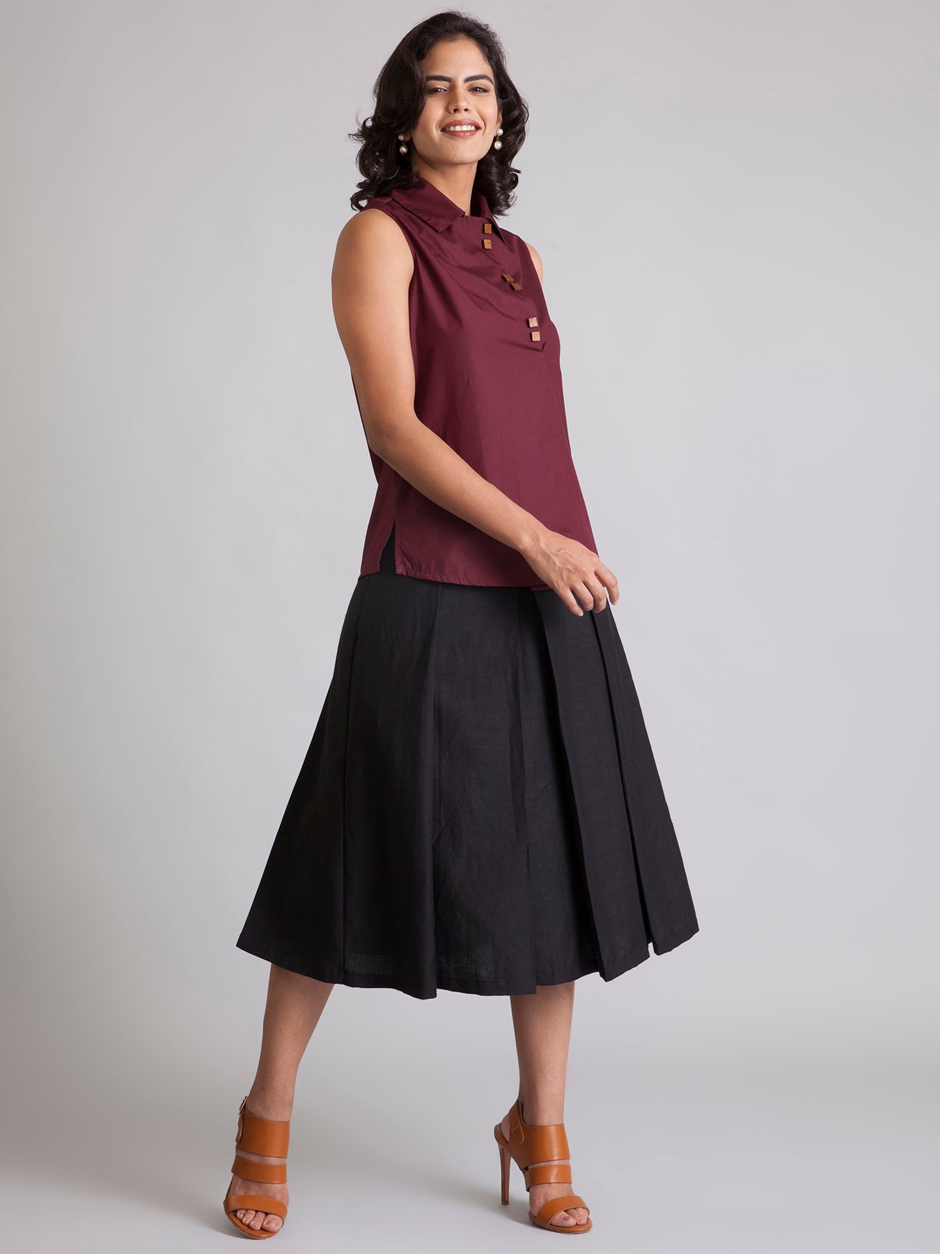 Collared Wood Button Flap Top - Maroon