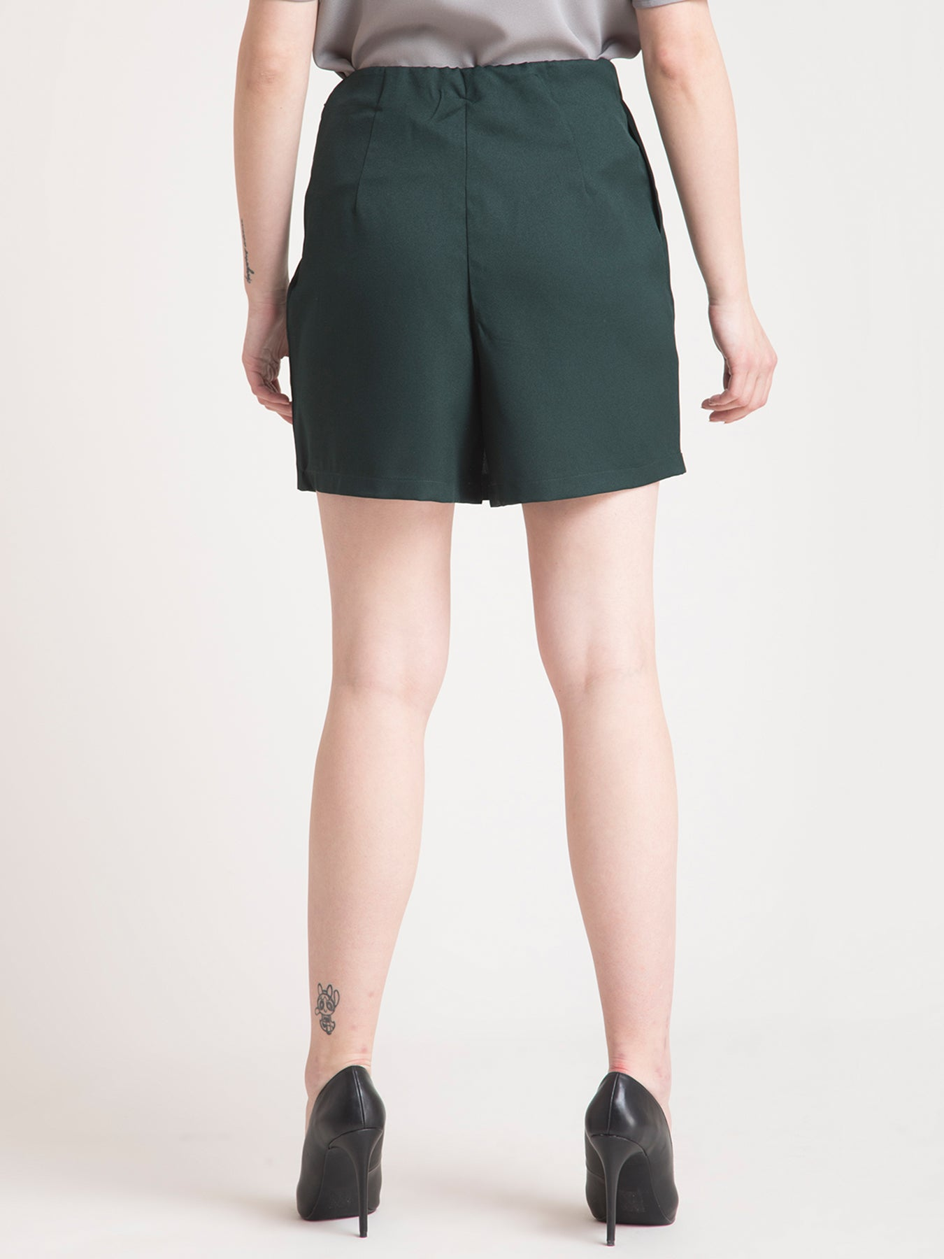 Overlap Detail Shorts - Green