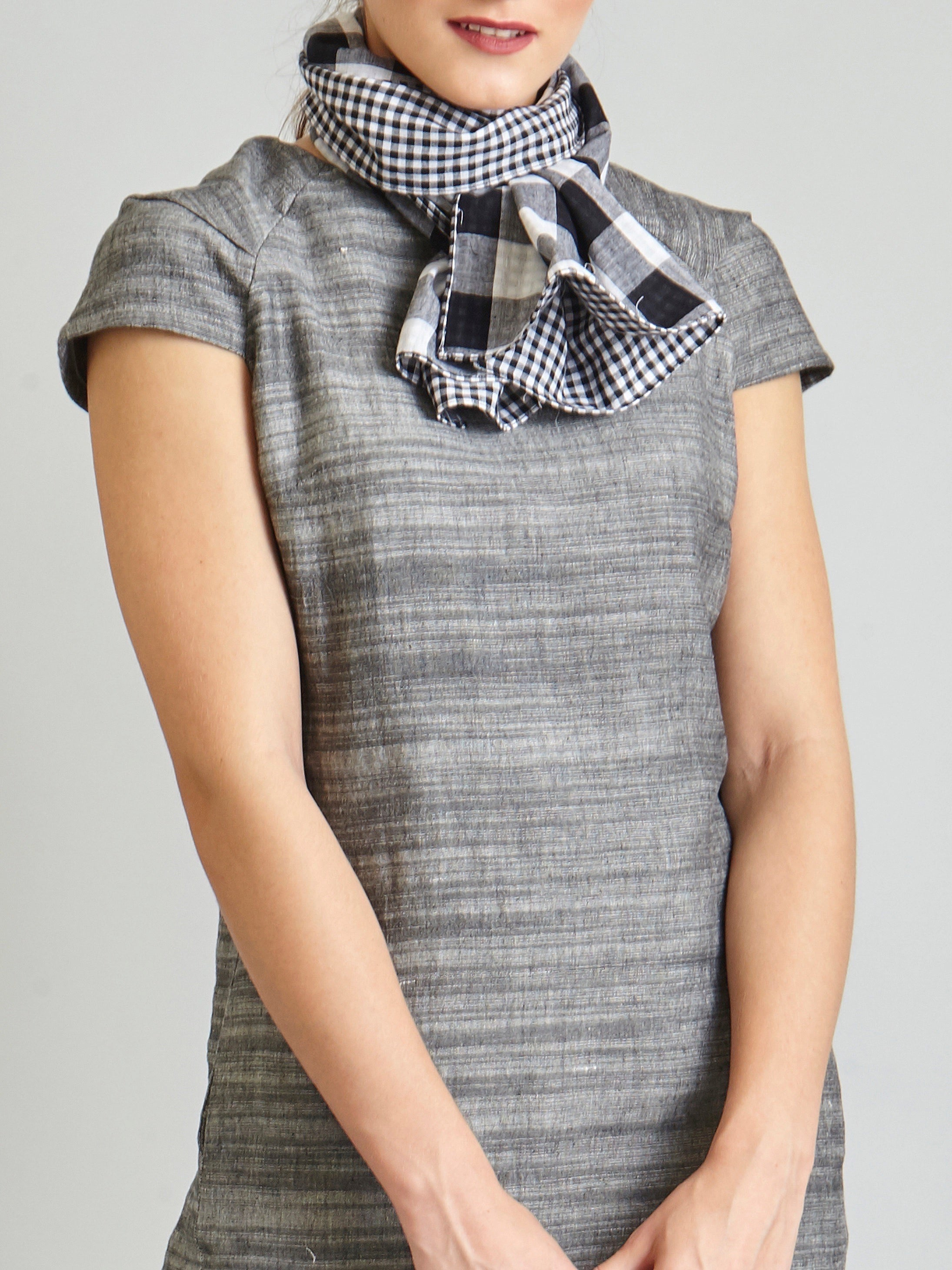 Gingham Reversible Stole - Black & White