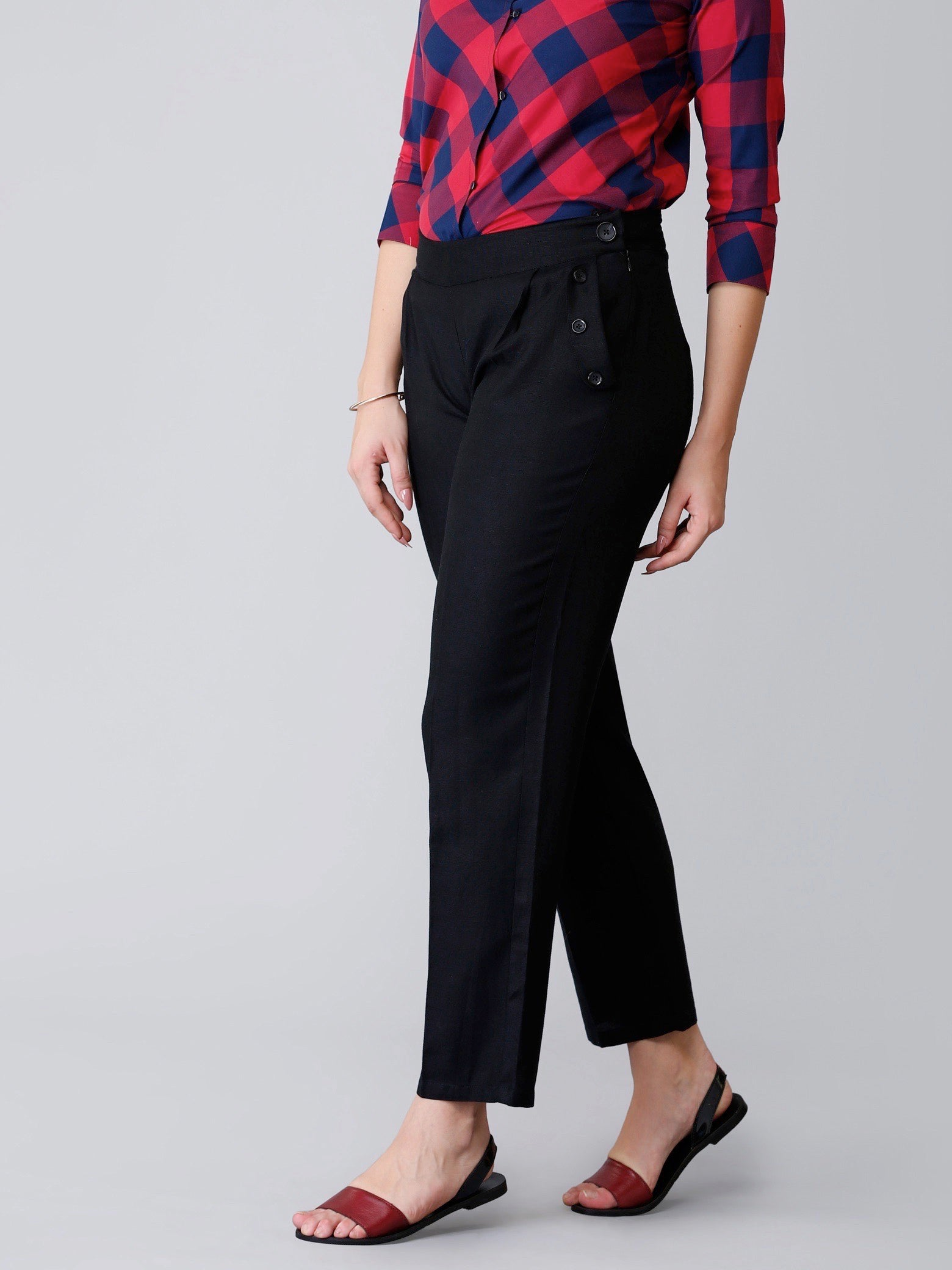Pleated Cropped Pants - Black