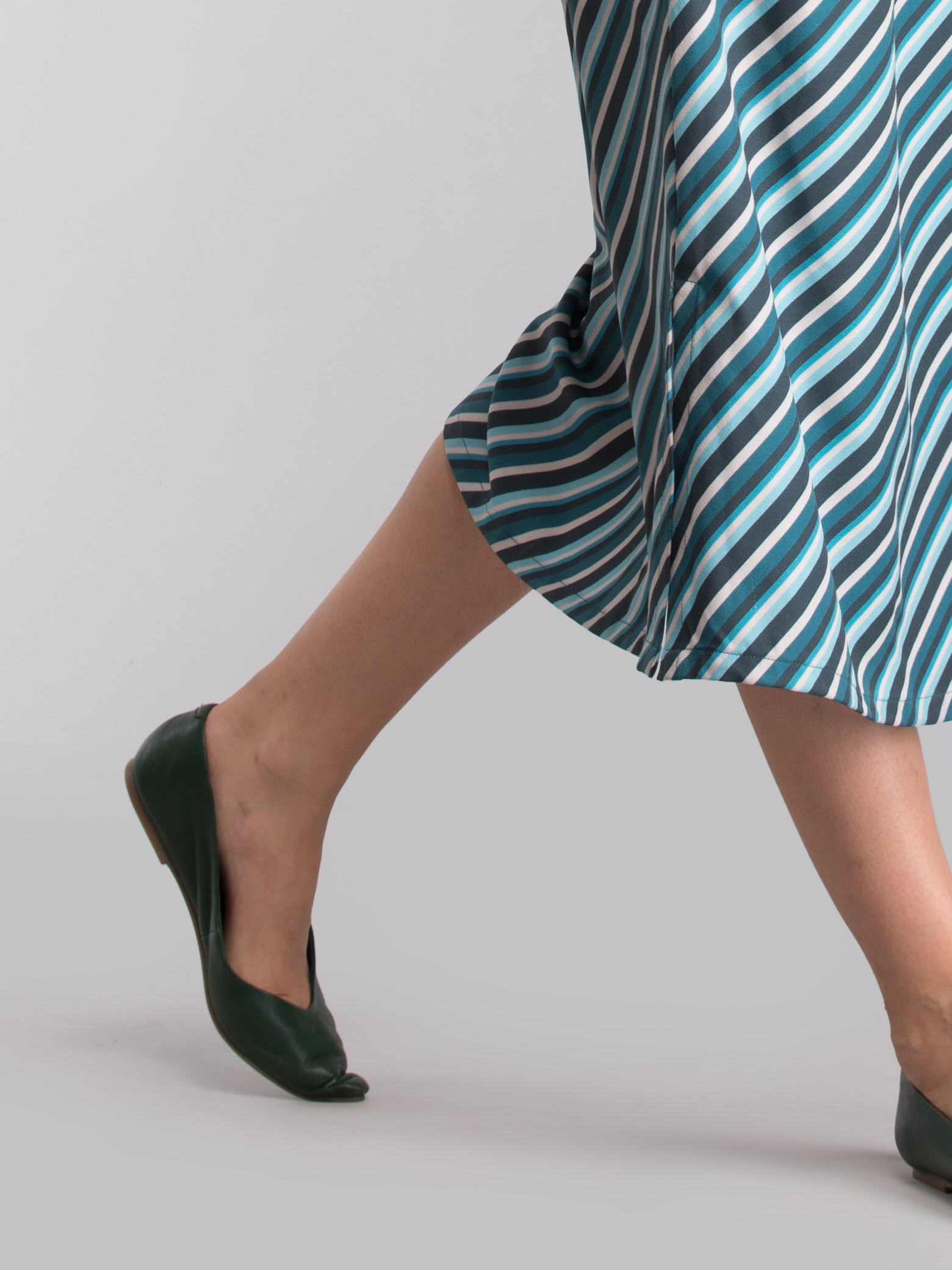 Pointed Toe Leather Flats - Green