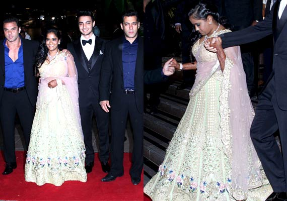 Arpita Khan wore a diamond necklace set in her reception party in Mumbai, Salman Khan's sister