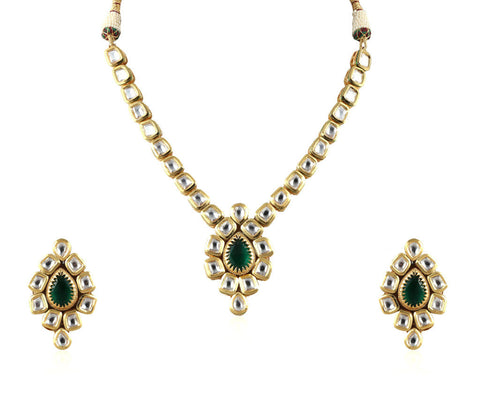 Exquisite Single Line Kundan Set with a Gorgeous Pendant and Stunning Earrings KS68