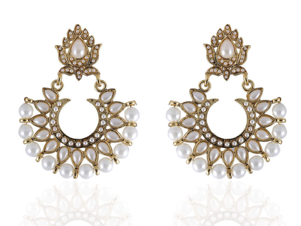 Bali Style Polki Earring with White Stones and White Pearls PO823