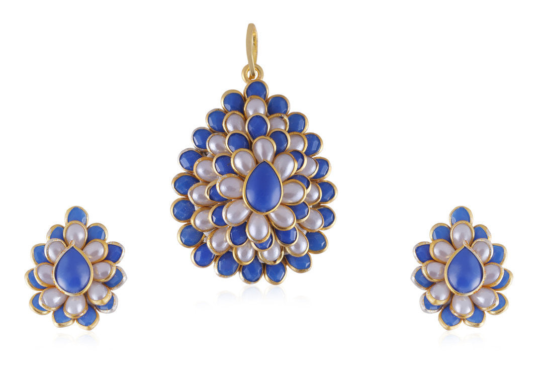 Splendid Pachi Pendant Set in Blue and White Colour - PS797