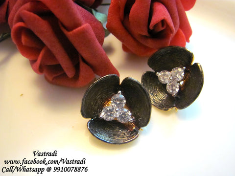 Chic Designer Earrings in Brown and White Colour - DE60