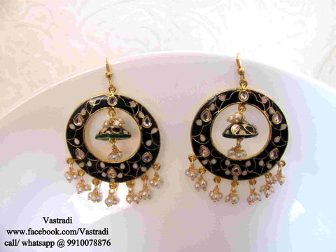 Round Fancy & Funky Earrings in Black and White Colour - F192