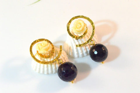 Dinky Droplet Fancy & Funky Earrings in Black and White Colour - F198