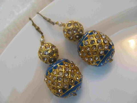 Aesthetic Kundan Earrings in Blue and Gold Colour - KU84