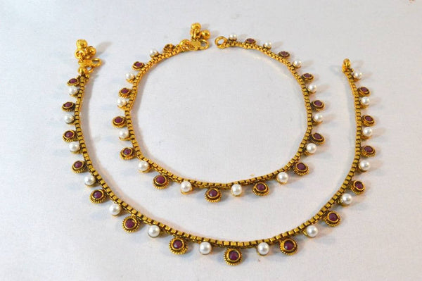 How about pairing up anklets for the mehendi function?