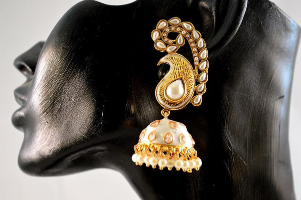 Polki earrings will match with your any wedding outfit.