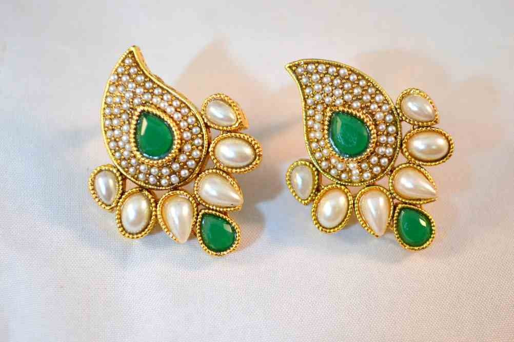 Green colored Ambi Earrings with pearl PO595