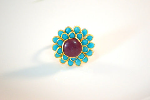 Arresting Pachi Ring in Maroon and Blue Colour - R362