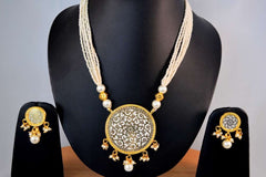Awesome Thewa Necklace Set in White and Gold Colour - TS23