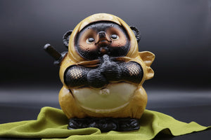 "Japanese lucky charm softened with a cute form: ""Shigaraki ware ninja raccoon dog""【1120-09】"