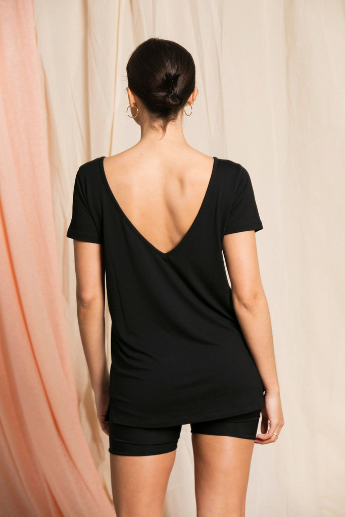 """The Nicola"" - Long V-neck T-shirt black"
