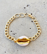 Load image into Gallery viewer, Cowrie Chain Bracelet