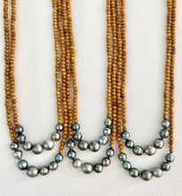 Load image into Gallery viewer, Tahitian Pearl Sandalwood Necklace