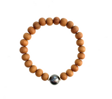 Load image into Gallery viewer, Tahitian Pearl Sandalwood Bracelet