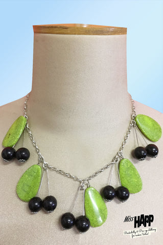 Black Leafy Cherry Beaded Neclace