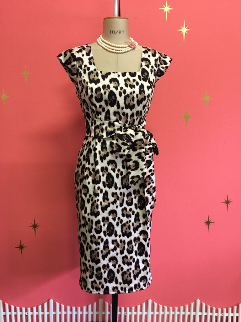 Sarah Leopard Dress - Large