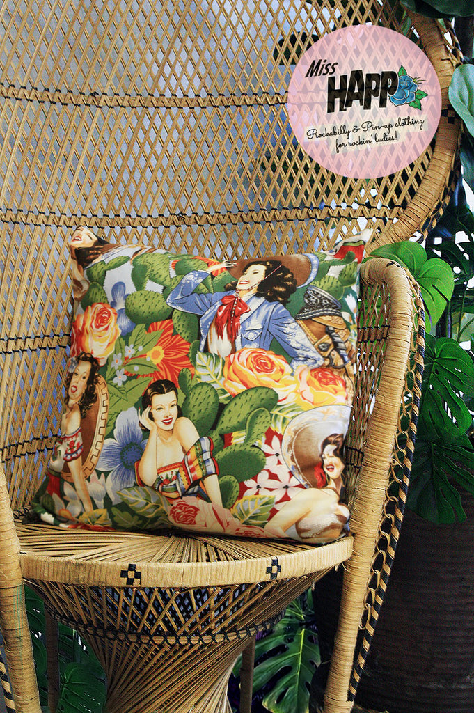 Folk Sinorita Cushion