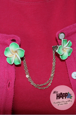Green Frangipani Sweater Clip
