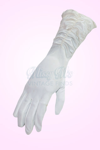 Vintage Rouged Cream Gloves