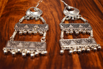 Load image into Gallery viewer, Detec Homzë Flat Earrings - Silver