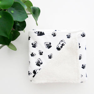 Warm-baby-blanket-with-Boxer-dog-print