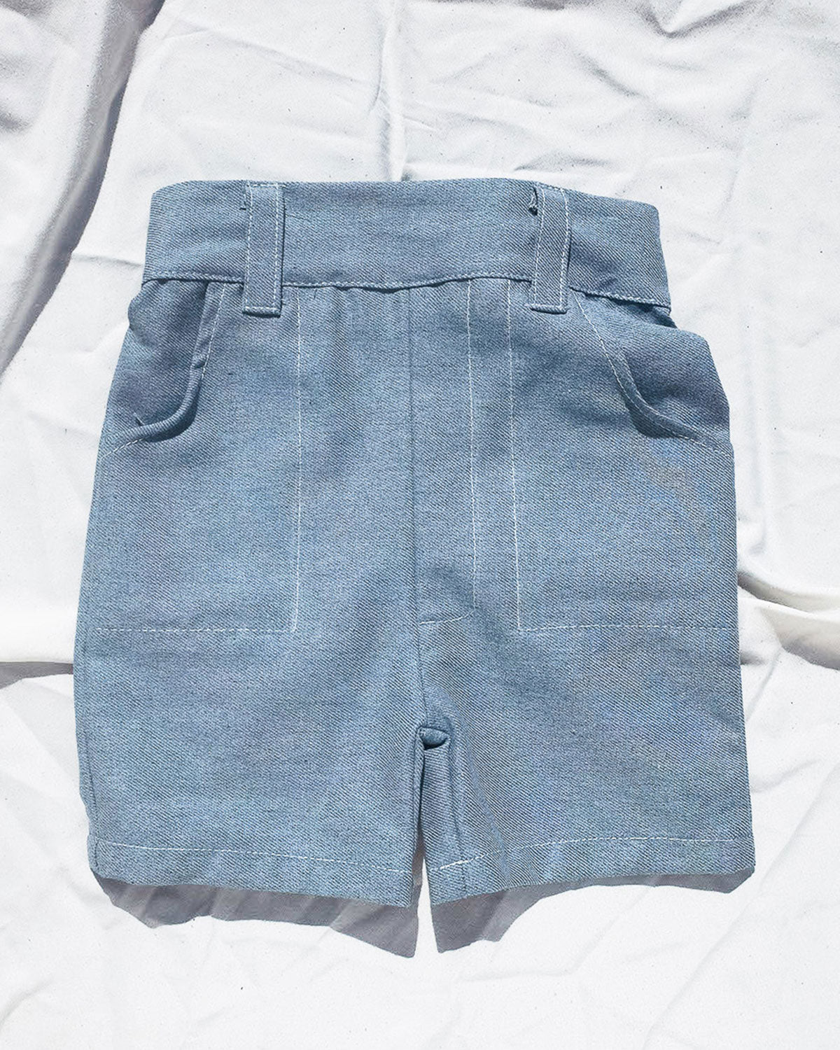 Denim short for toddlers and kids/ High waisted and 2 pockets.