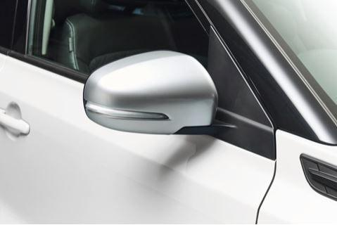 Suzuki Vitara SZ5 only - Door Mirror Cover LH - Brushed Aluminium Look Finish (with Turn Signal)