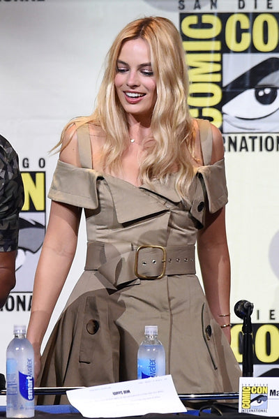 Margot robbie monse dress
