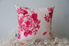 Load image into Gallery viewer, Red Heart Applique Cushion